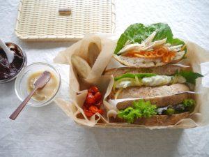 フォカッチャとブールのサンドイッチ弁当。