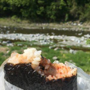 五分づき米+キムチ。海苔にごま油と塩をふってガツンと。