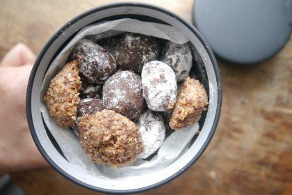 スノーボールのココア味とココナッツ味。