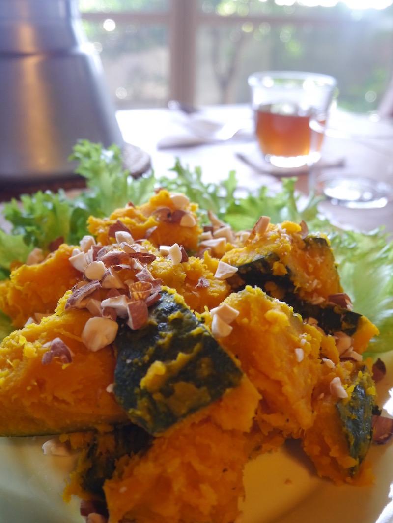 かぼちゃの塩水煮。←聞いて想像するより、食べるとイメージ変わるお料理です。