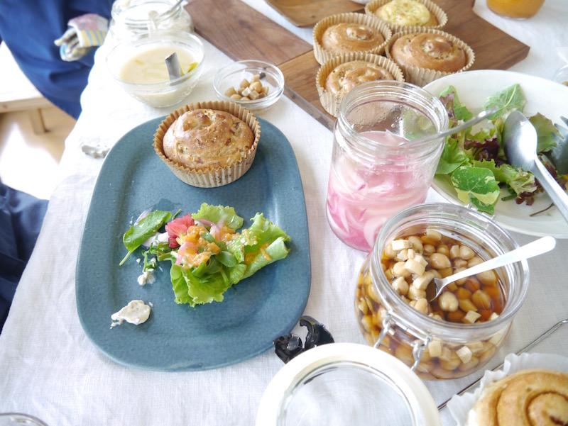 ひよこ豆とエリンギのピクルス、紫玉ねぎの薄切りドレッシング